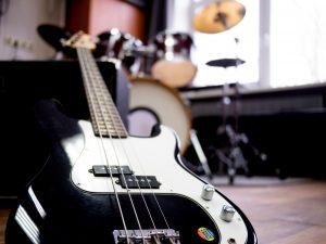 Игра на бас гитаре 8